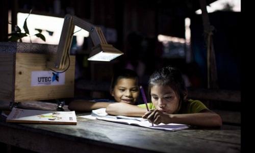 Đèn LED phát sáng nhờ… chậu cây.