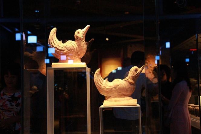 Hệ thống đèn LED bên trong bảo tàng dưới lòng đất ở Hà Nội