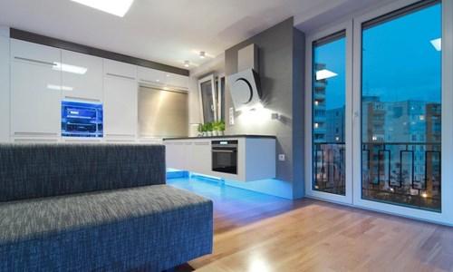 Tông đèn LED xanh dương cho căn hộ 51m2 sang chảnh
