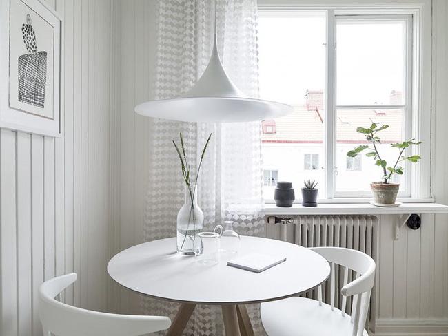 Khu đèn LED trong căn nhà vintage 30m²